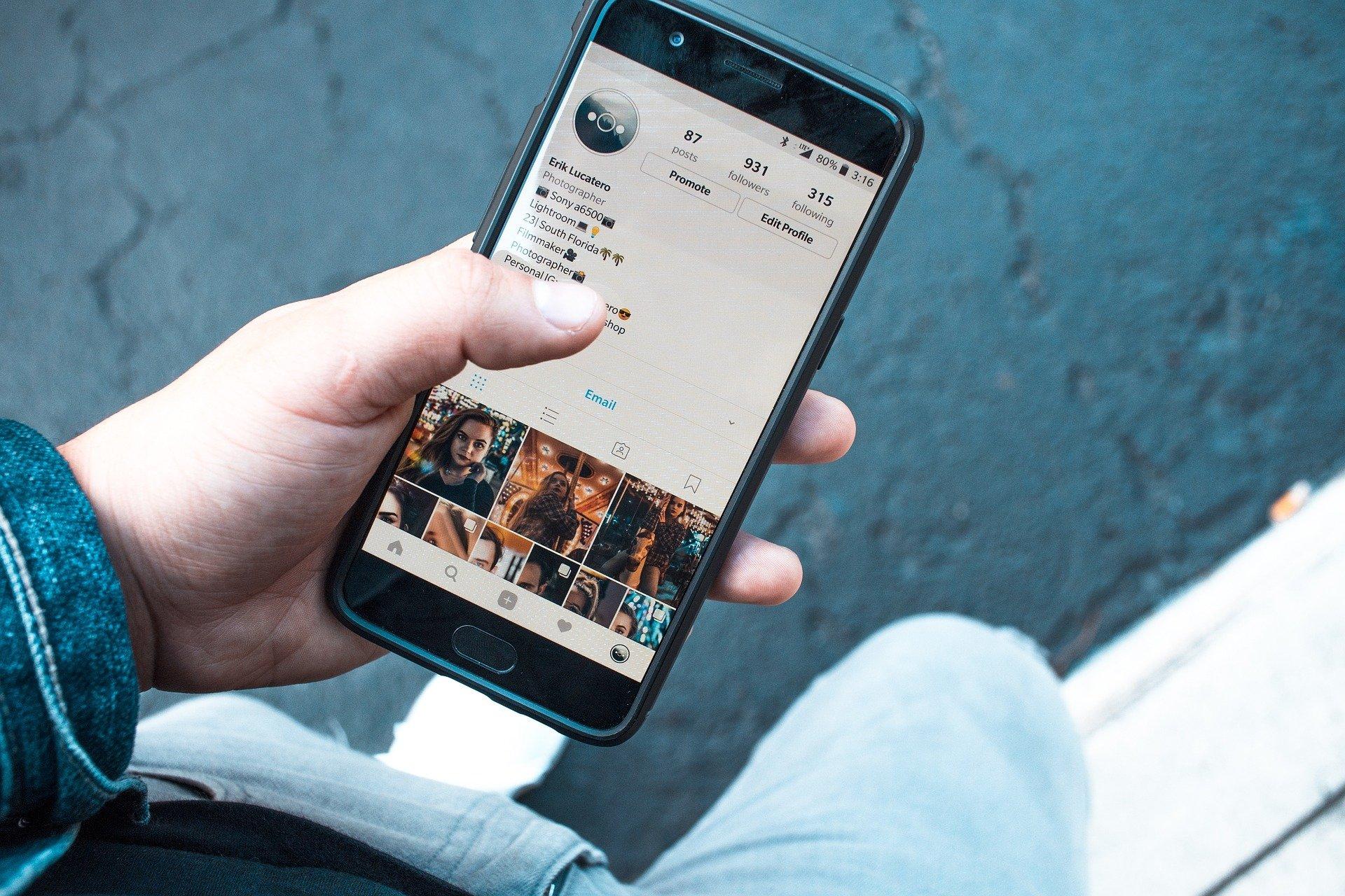Virtual Hub – Social Media & Online Safety